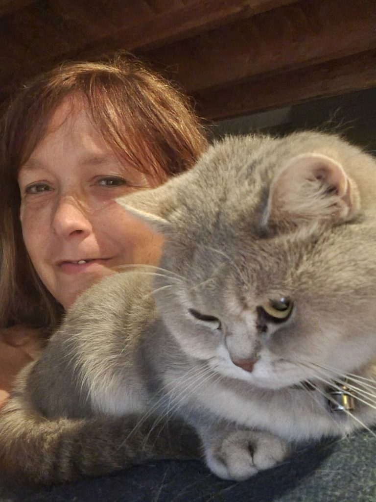 CatTalk | Cindy and her British Shorthairs Miró and Pebbles